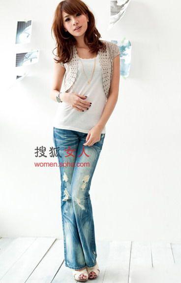 牛仔裤+宽松小衫